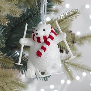 Decoratiune Urs Polar la Schi